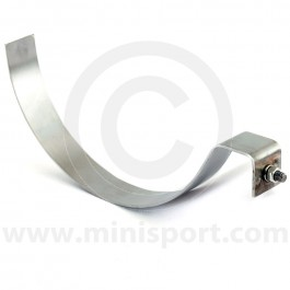 CZH632 Mounting hanger clip for the fresh air intake pipe (EAM7437) that sits under the front wing.
